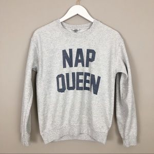 Gray Nap Queen Crewneck Sweatshirt Size Small